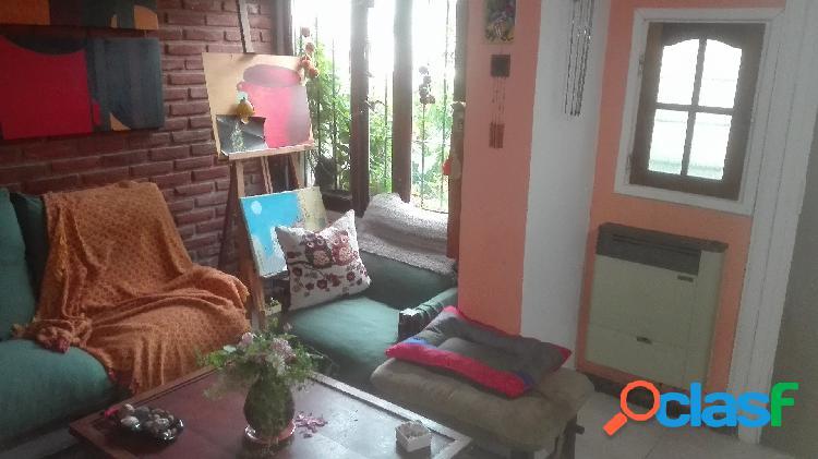 Ph 5 amb con patio. barrio don bosco. u$s 75.000.-