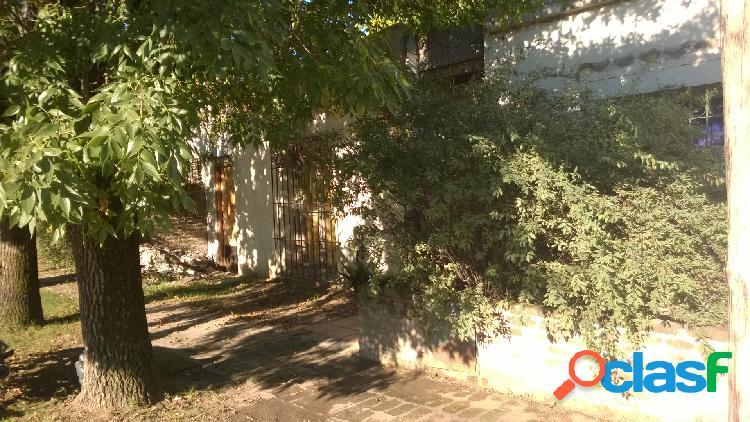 Casa ubicada en calle 49 e/ 32 y 34: