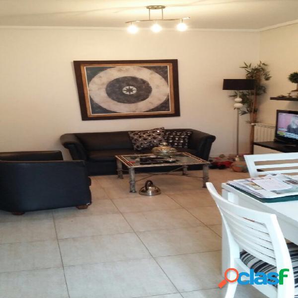 Zona shopping los gallegos: departamento de 4 ambientes, con amplia terraza propia y cochera cubierta.