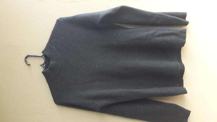 Sweater color negro lana mohair y pelo de conejo