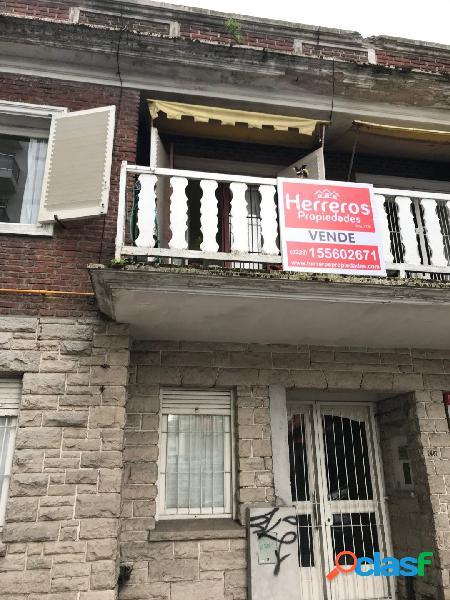 Ph 3 Ambientes con dependencia al frente con balcon -- Venta 1
