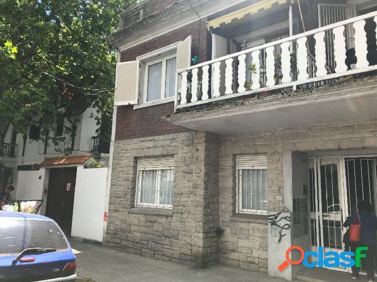 Ph 3 Ambientes con dependencia al frente con balcon -- Venta 3