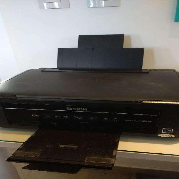 Impresora epson stylus 3 en 1 wifi.