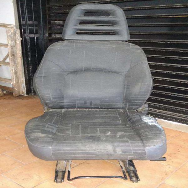 Asiento Iveco 55c16 para Motorhome Tambi