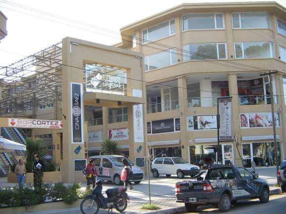 Local comercial paseo el agora planta alta frente