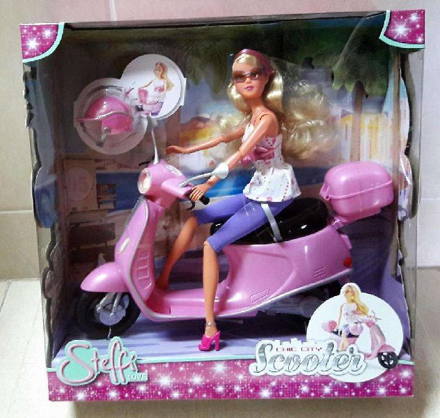 Muñeca barbie steffi super articulada con moto y accesorios