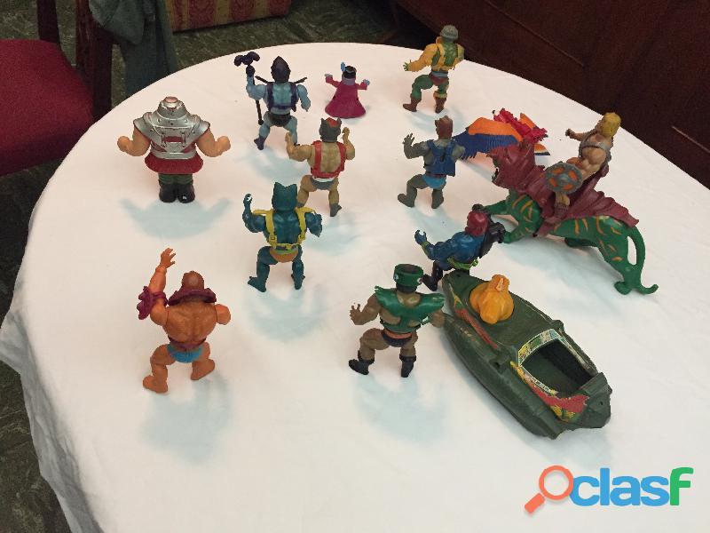 En venta el lote de 14 figuras de he man originales de los años 80'