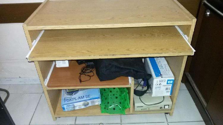 Mueble ideal para tareas con pc impresora etc.