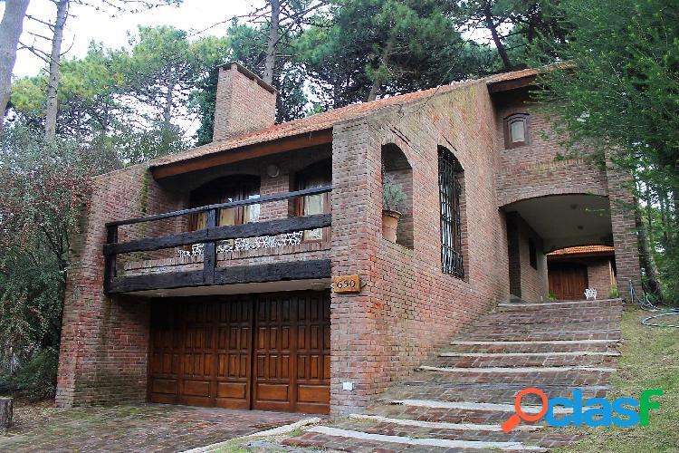 Ref: 8206 - Casa en Venta - Pinamar, Zona Lasalle
