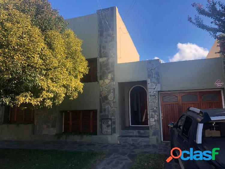Ph con patio y garage