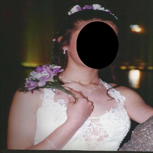 Vestido de novia pollerin ramo tocado