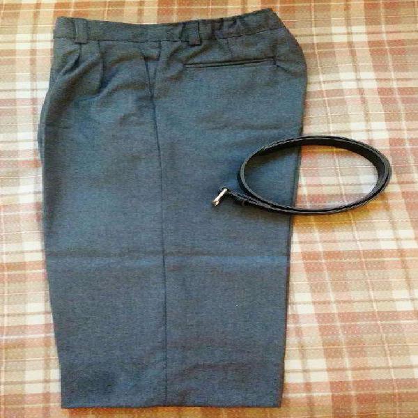 Pantalón escolar gris colegial con cinturón negro