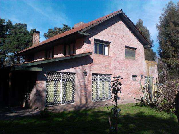 Casa quinta con renta de 400 mts construidos y 10.000 mts de