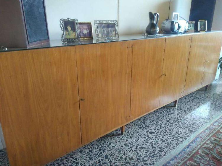Cristalero / vajillero de petiribí, 6 puertas, estantes y