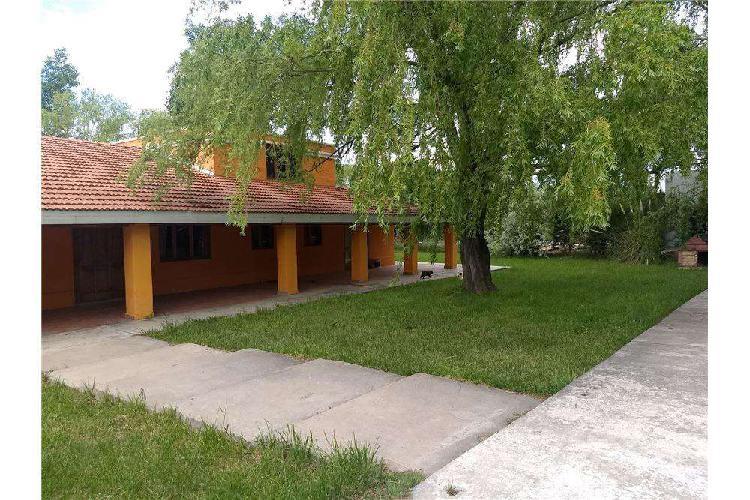 Casa quinta en venta en general roca