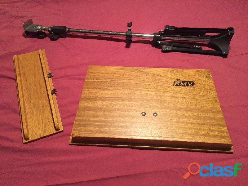 Vendo 2 atriles rmv de madera