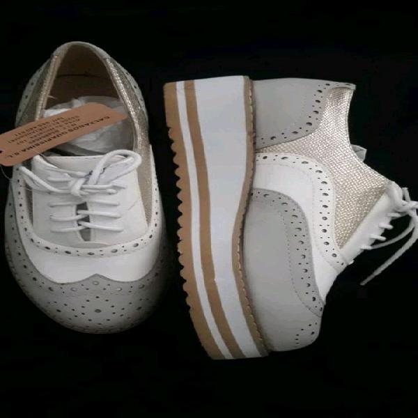 Zapatos talle 38 traídos desde madrid.