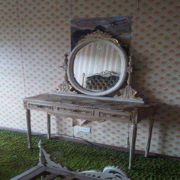 Juego dormitorio frances dressoir vicelado con marmol guemes