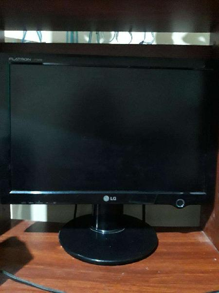 Pc,2 parlantes,monitor lg,teclado,mouse