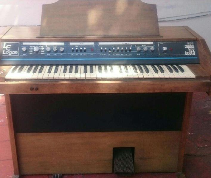 Piano organo marca le logan