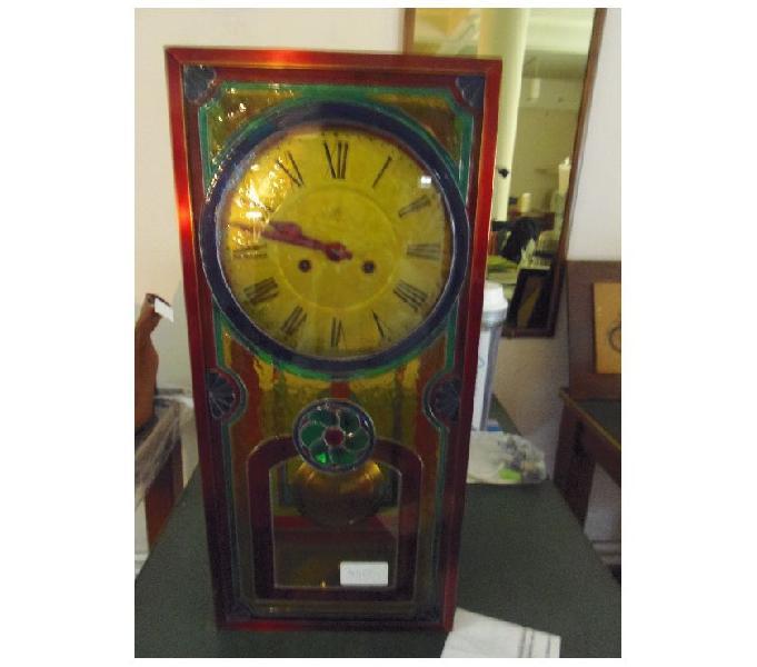 Antiguo reloj de pendulo