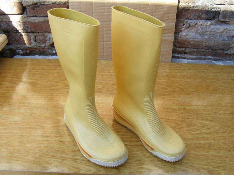 Botas de lluvia caña alta marca sniker en talle 40 producto