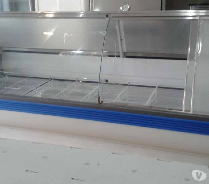 Heladera exhibidora batea de 3,00 mts. vidrio curvo