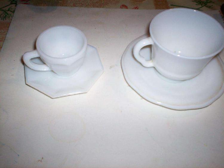 3 tazas cafe c leche mas 2 pocillos con plato