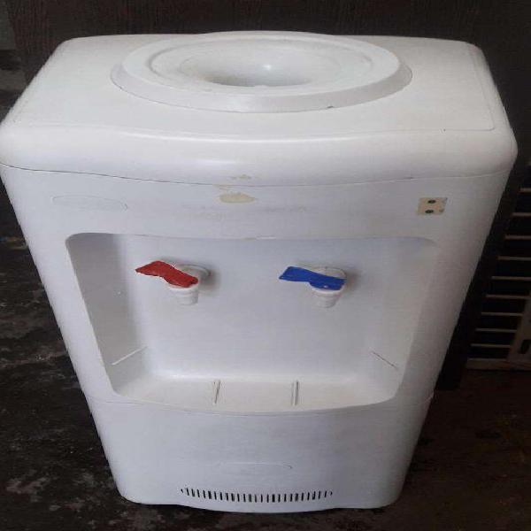 Dispenser de agua frio/calor - lh - funcionando - 3 meses de
