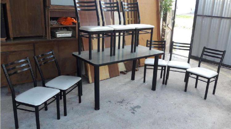 Juego comedor caño grueso de calidad mesa 1.50 con 8 sillas