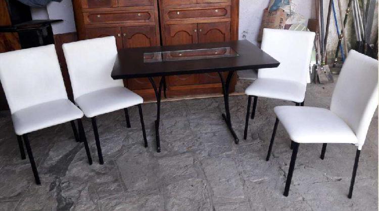 Juego comedor de diseño... hermosa mesa con centro vidrio