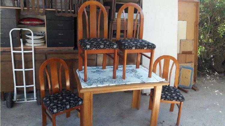 Juego comedor roble... mesa 1.20 largo con 4 sillas
