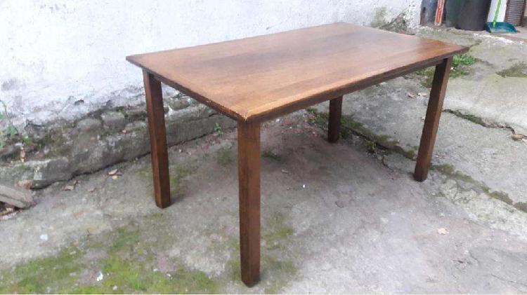 Mesa moderna maciza en petiribi (madera dura) impecable