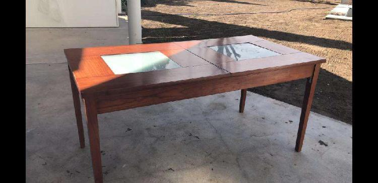Mesa de madera retraíble