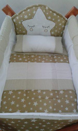Catre (solo el armado) bolsa, acolchado y almohada con nombr