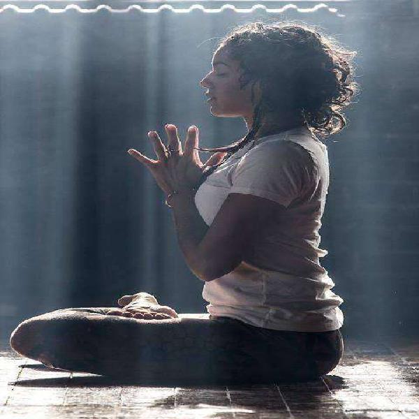 Clases de yoga integral /la plata/laura villanueva