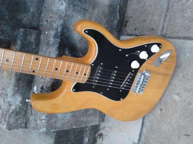Guitarra.electrica.stratocaster.hondo.dos.japon.72.natural.m