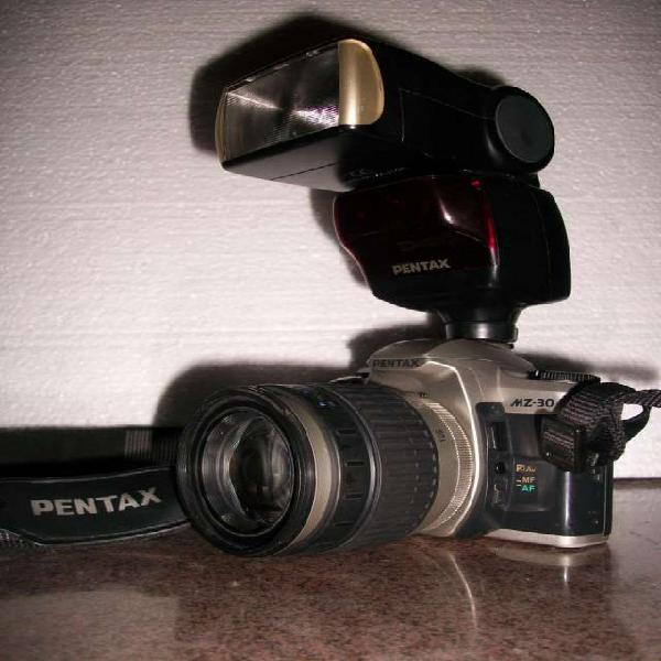 Pentax analogica con flash dedicado. super oferta! en santa