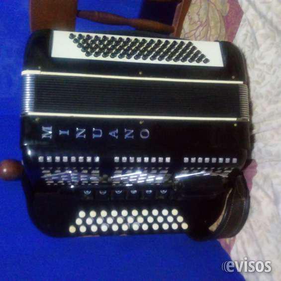 Vendo acordeon 3 hileras 80 bajos en posadas