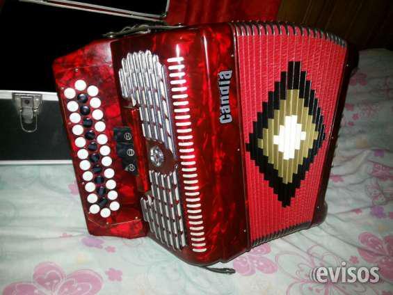 Vendo acordeon candia a botones en ituzaingó