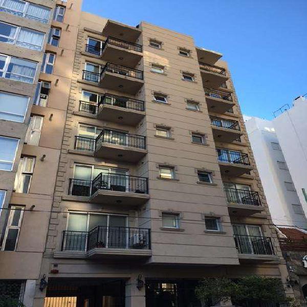 Dos ambientes externo con balcon terraza