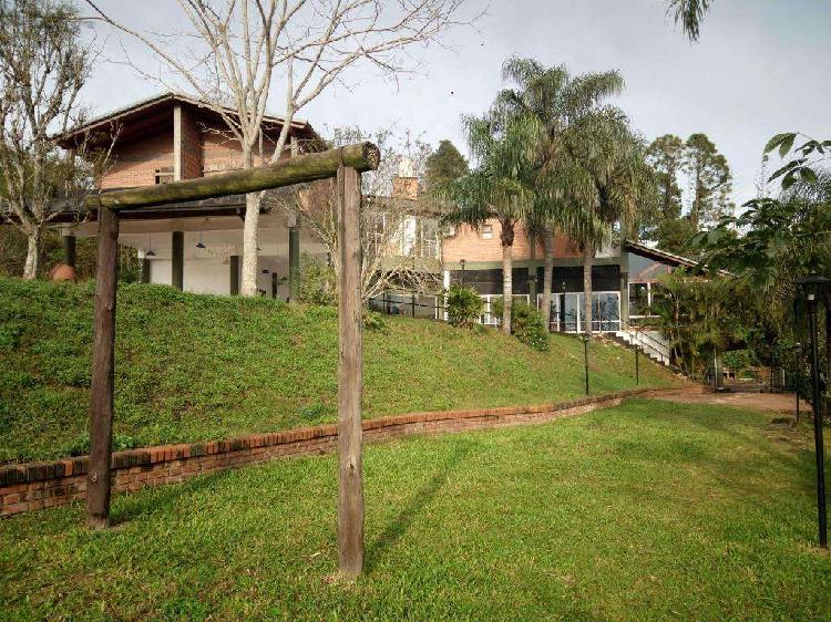 Hotel y casa sobre costanera rio paraná puerto rico