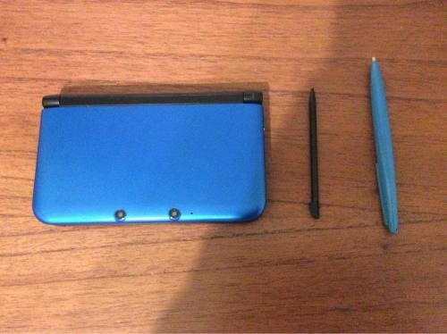 Nintendo 3ds azul + case + lápiz + 9 juegos