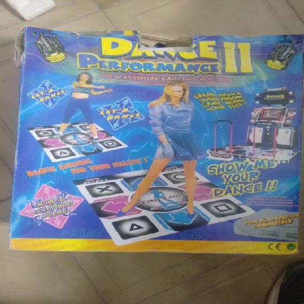 Juego dancing funciona como video juego en el piso en