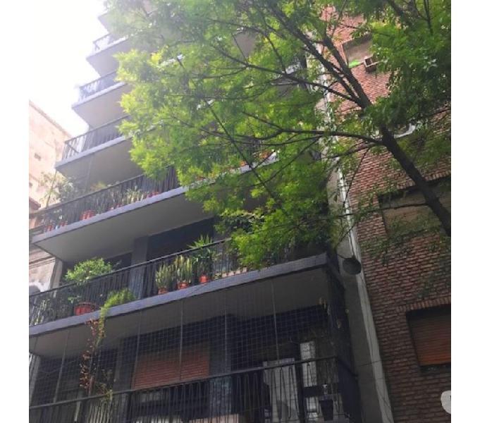 Almagro. 150 m2. 3 dormit. c dep. balcón luz y sol. cochera