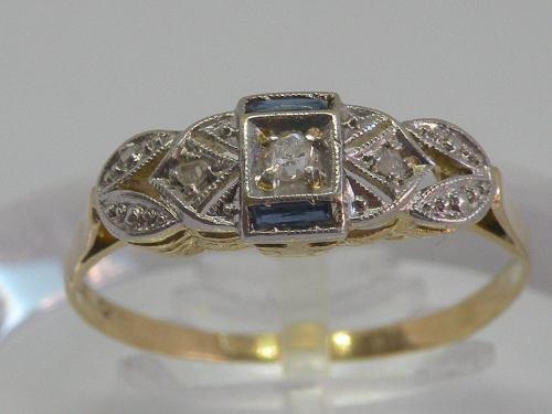 Anillo art deco con diamantes y zafiros de oro 18k y platino