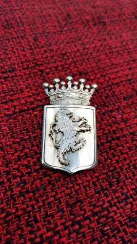 Antiguo broche prendedor escudo con leon coronado plata 900