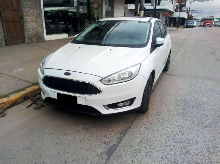Ford focus 2.0 5p se plus power l/16 2016