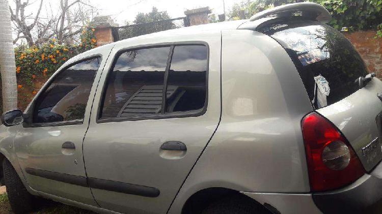Vendo Clio 2004 (motor nuevo)