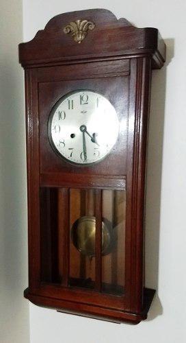 Antiguo reloj de pared a pendulo kienzle funciona